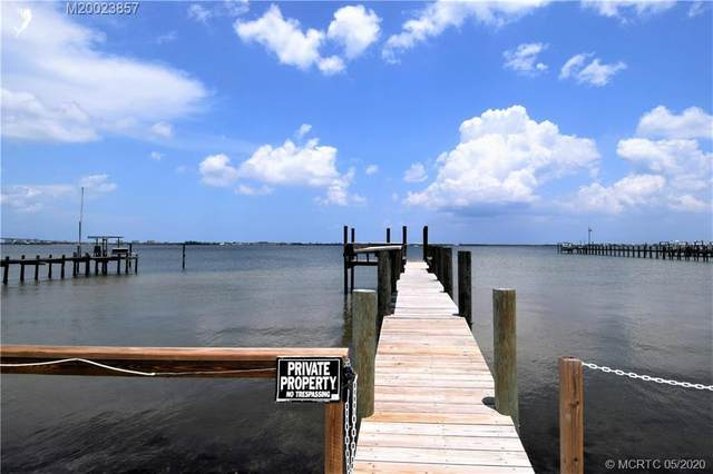 2725 NE Indian River Drive, Jensen Beach, FL 34957 (#M20023857) :: Realty One Group ENGAGE