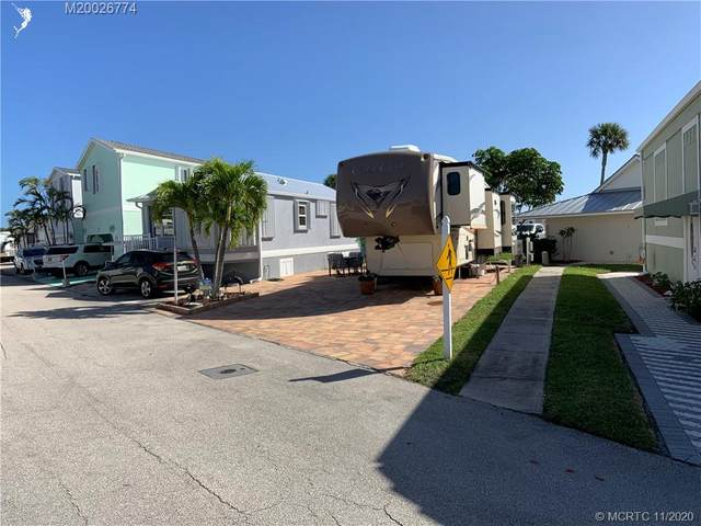 902 Nettles Boulevard, Jensen Beach, FL 34957 (#M20026774) :: Realty One Group ENGAGE