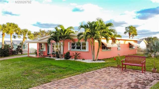 2237 NE Center Circle, Jensen Beach, FL 34957 (#M20026792) :: Realty One Group ENGAGE