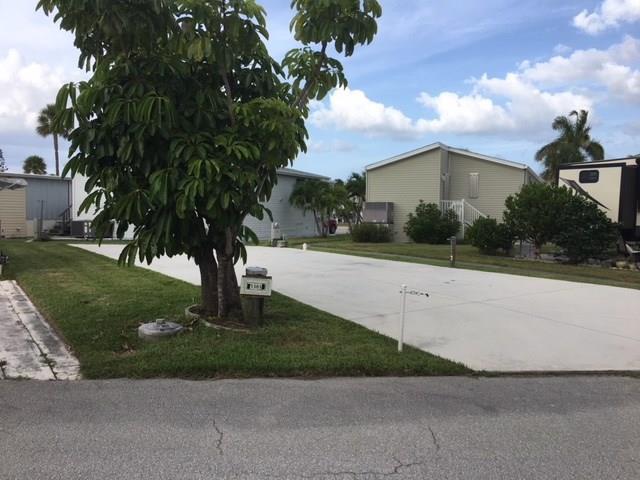 1383 Nettles Blvd, Jensen Beach, FL 34957 (#M20012792) :: The Haigh Group | Keller Williams Realty
