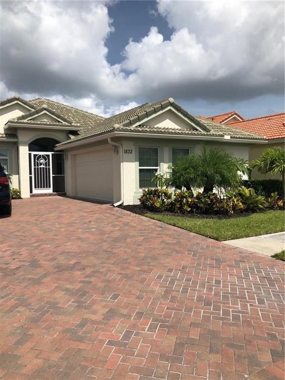 1832 NW Old Oak Terrace, Jensen Beach, FL 34957 (#M20012843) :: The Haigh Group | Keller Williams Realty