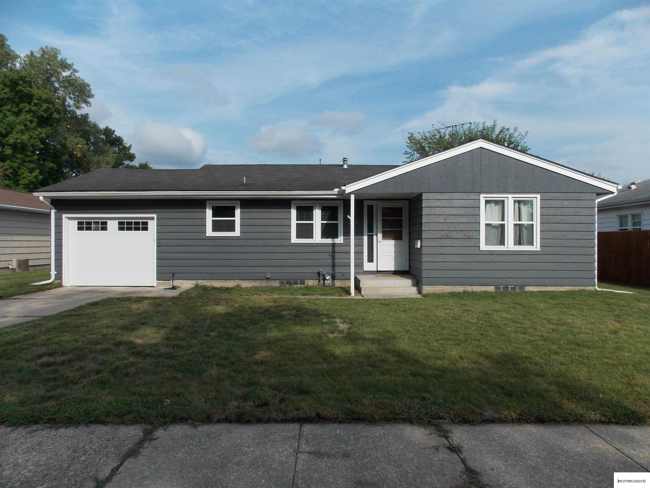 317 Tennessee Pl - Photo 1