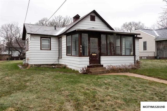 908 N Pennsylvania, MASON CITY, IA 50401 (MLS #190225) :: Jane Fischer & Associates