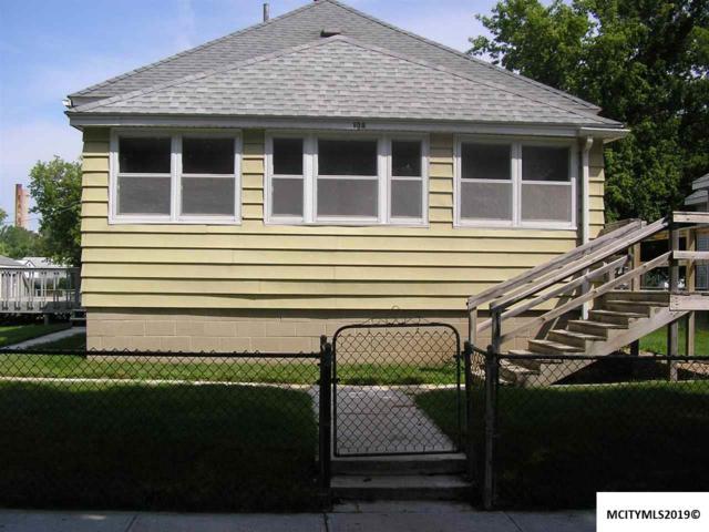 108 16TH NW, MASON CITY, IA 50401 (MLS #190719) :: Jane Fischer & Associates