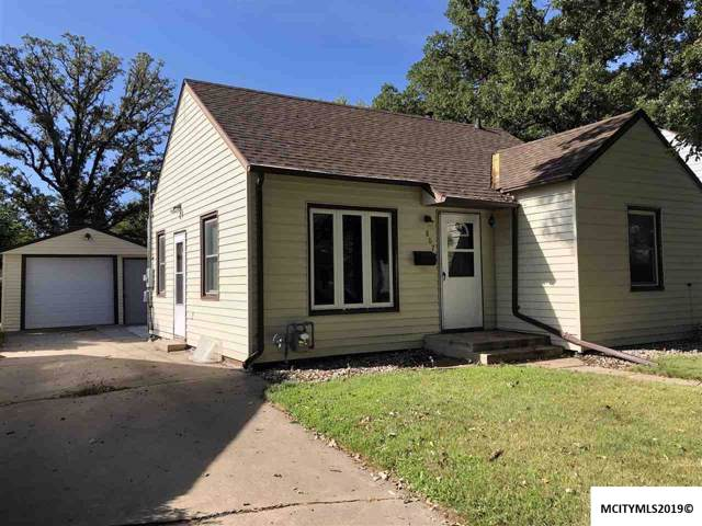 807 16th Ne, MASON CITY, IA 50401 (MLS #190787) :: Jane Fischer & Associates