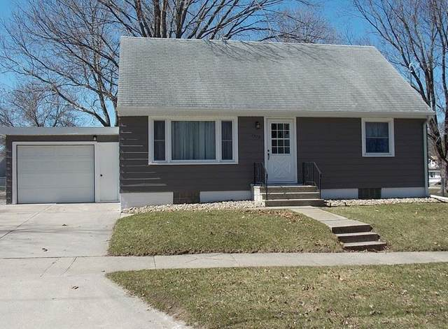 1310 S Virginia, MASON CITY, IA 50401 (MLS #200187) :: Jane Fischer & Associates