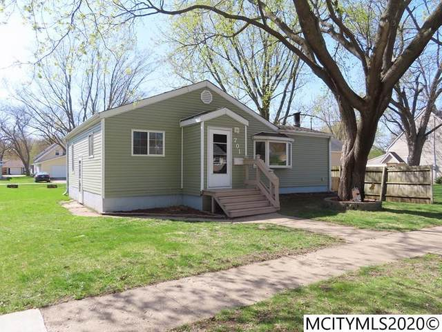 701 S 13th St, CLEAR LAKE, IA 50428 (MLS #200287) :: Jane Fischer & Associates