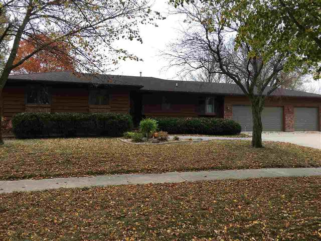 1085 Briarstone Dr, MASON CITY, IA 50401 (MLS #200796) :: Jane Fischer & Associates