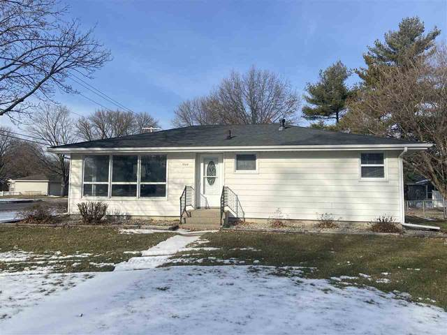 1004 Manor Dr, MASON CITY, IA 50401 (MLS #210023) :: Jane Fischer & Associates