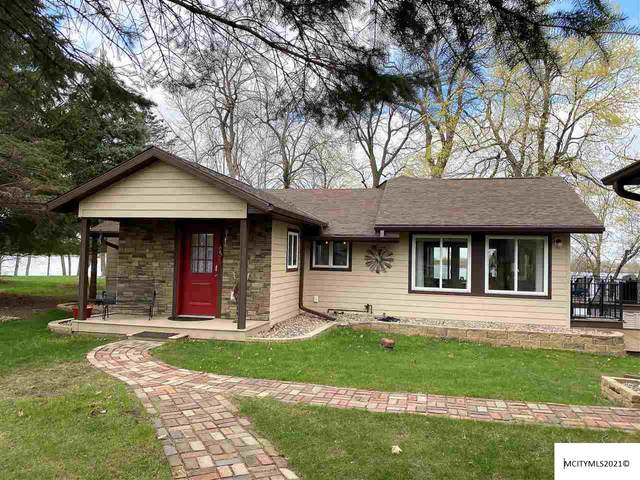 24518 Lakeside Dr, LAKE MILLS, IA 50450 (MLS #210215) :: Jane Fischer & Associates