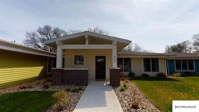 402 Oak Hill Ct, CLEAR LAKE, IA 50428 (MLS #210241) :: Jane Fischer & Associates
