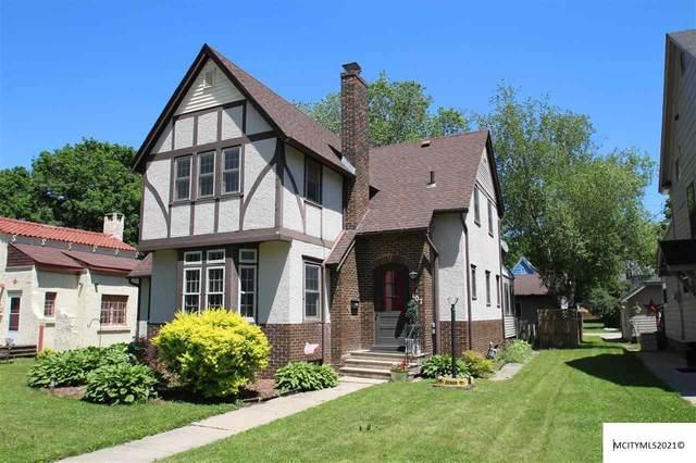 107 S Vermont, MASON CITY, IA 50401 (MLS #210365) :: Jane Fischer & Associates