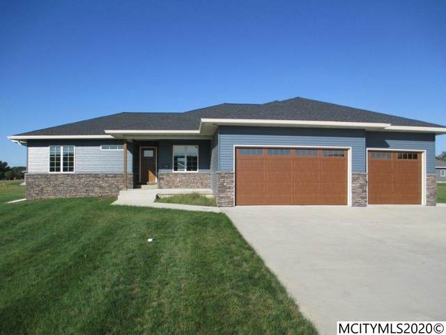 722 Hemlock Ct, MASON CITY, IA 50401 (MLS #200705) :: Jane Fischer & Associates