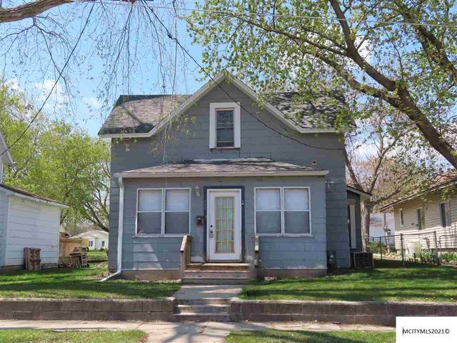 432 S Polk, MASON CITY, IA 50401 (MLS #210086) :: Jane Fischer & Associates