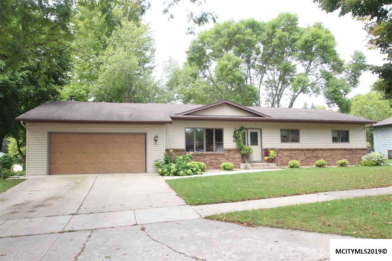 1100 Brentwood Dr - Photo 1