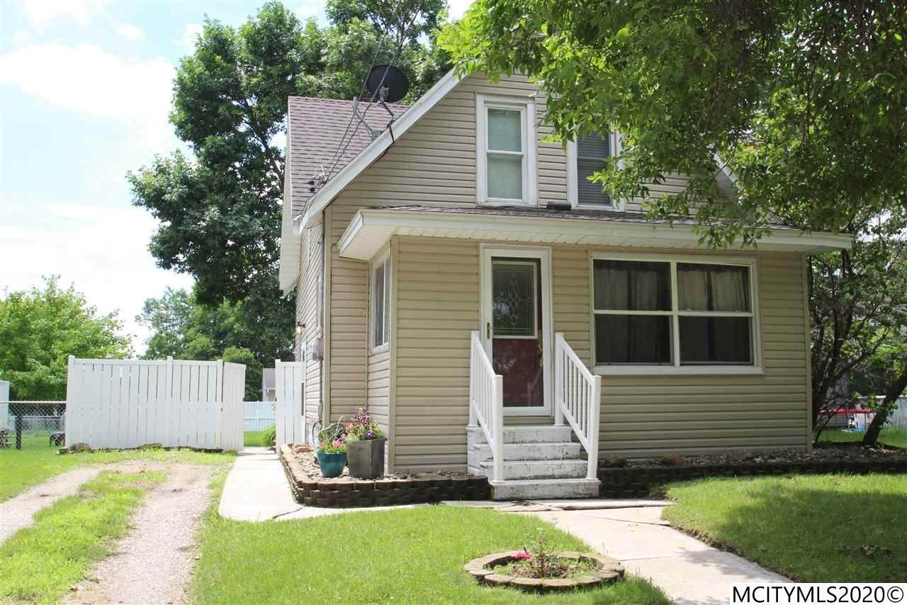 211 16th Nw - Photo 1