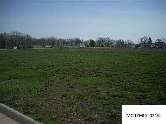 2033 Augusta Dr, MASON CITY, IA 50401 (MLS #210591) :: Jane Fischer & Associates