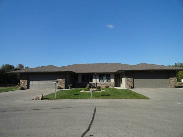 521 River Bend Court - Photo 1