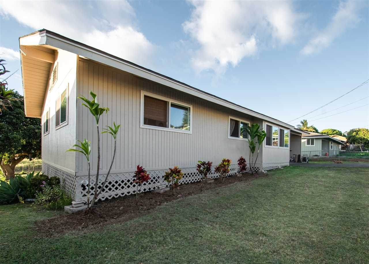 729 Kekona Pl - Photo 1