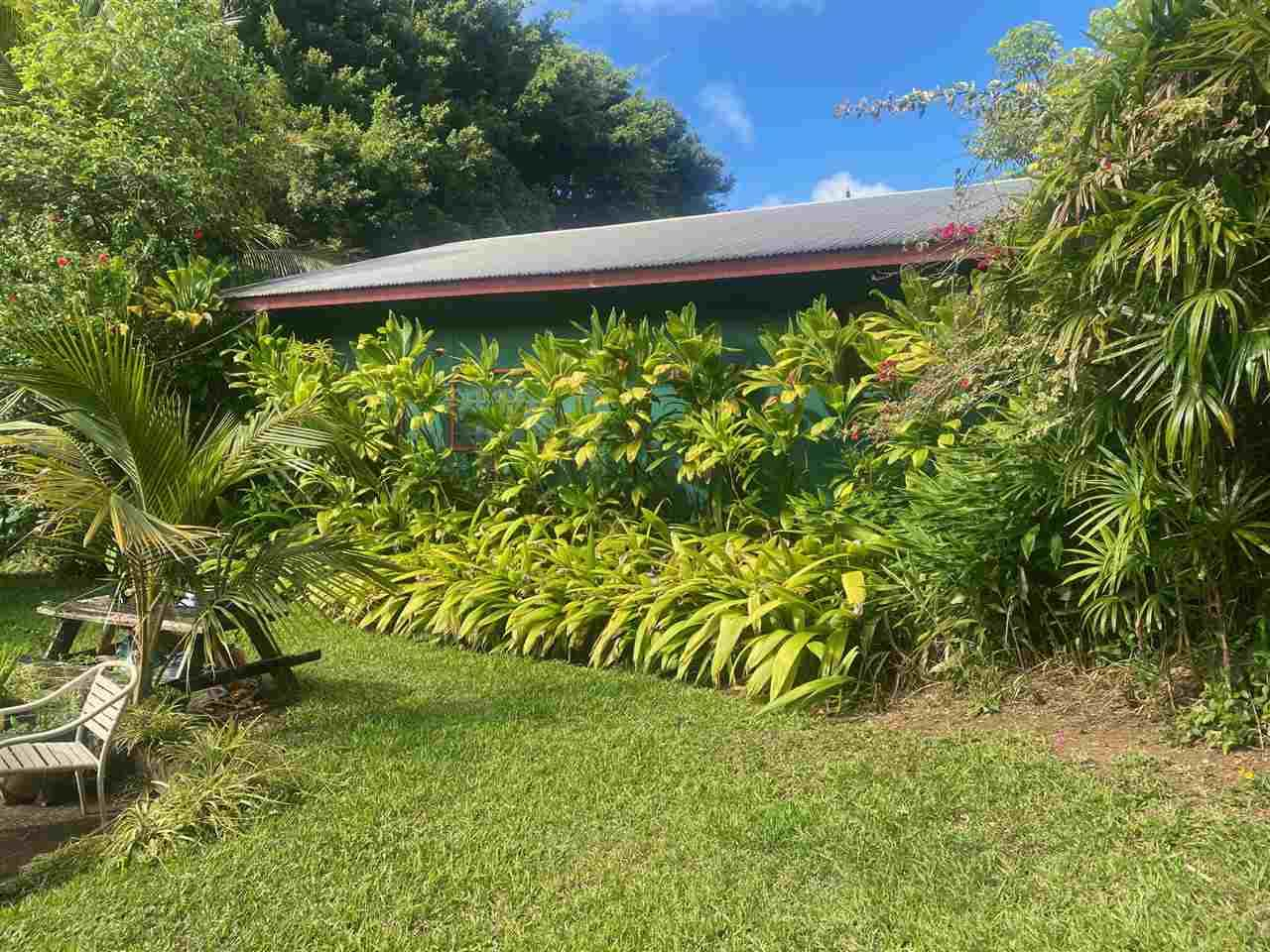 563 Kaupakalua Rd - Photo 1