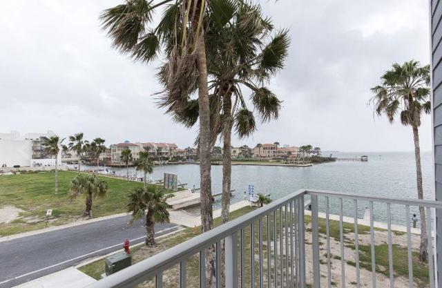 6101 Padre Boulevard #301, South Padre Island, TX 78597 (MLS #220521) :: Top Tier Real Estate Group