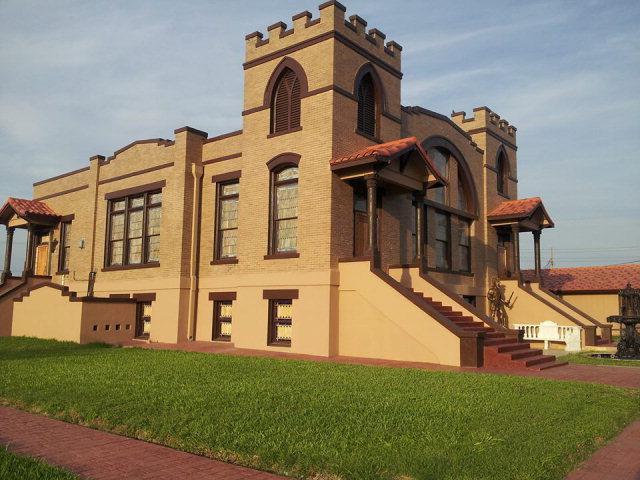 216 N 11th Street, Mcallen, TX 78501 (MLS #192240) :: Jinks Realty
