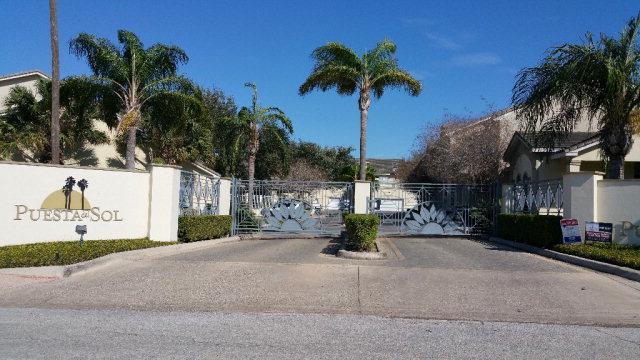 800 Sunset Drive C22, Mcallen, TX 78503 (MLS #204231) :: The Lucas Sanchez Real Estate Team