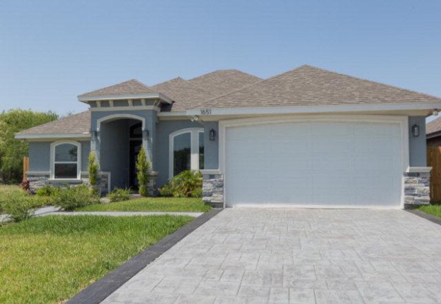 1651 W Canal Lane, Pharr, TX 78577 (MLS #209833) :: Jinks Realty