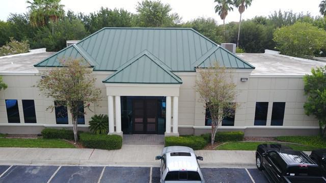 4900 N 10th Street, Mcallen, TX 78504 (MLS #210329) :: The Lucas Sanchez Real Estate Team