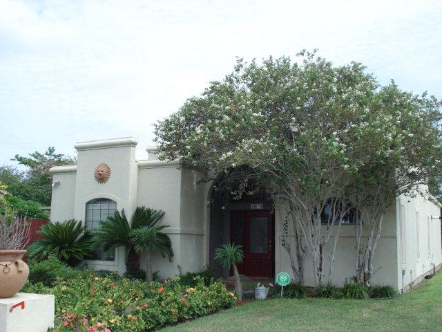 2014 Las Cruces Avenue, Weslaco, TX 78596 (MLS #211938) :: Jinks Realty
