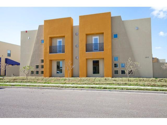 1317 E Camelia Avenue, Mcallen, TX 78504 (MLS #212039) :: Jinks Realty