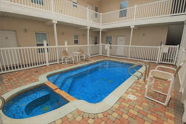 105 E Tarpon #4, South Padre Island, TX 78597 (MLS #212630) :: Top Tier Real Estate Group