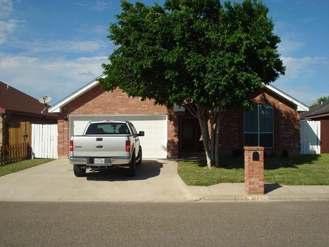1209 Laredo Street, Mission, TX 78572 (MLS #213223) :: The Lucas Sanchez Real Estate Team