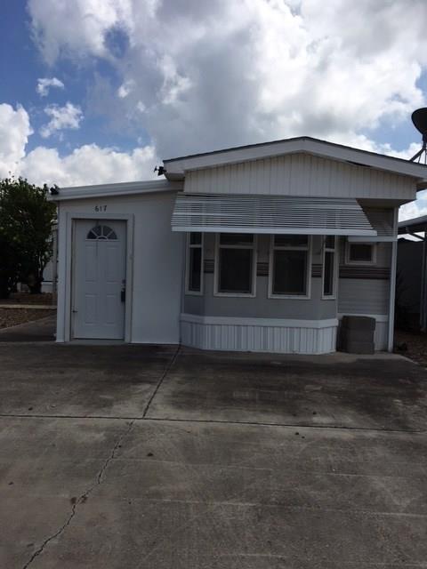 617-619 Oak Street, Mission, TX 78572 (MLS #213427) :: The Lucas Sanchez Real Estate Team