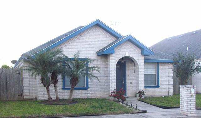 220 E Maple, Mcallen, TX 78501 (MLS #214139) :: The Deldi Ortegon Group and Keller Williams Realty RGV