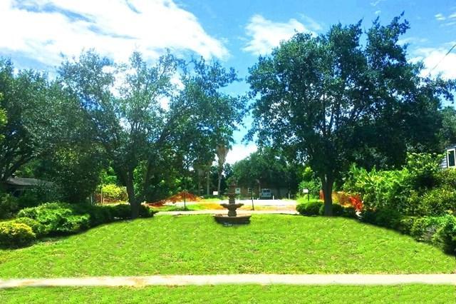 402 E Austin Avenue, Harlingen, TX 78550 (MLS #214463) :: The Lucas Sanchez Real Estate Team