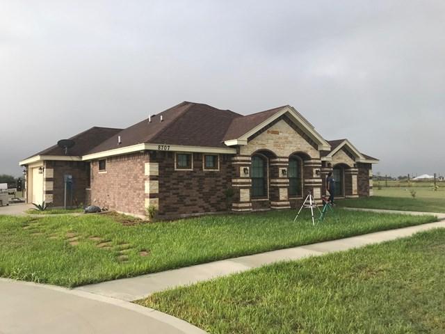 8707 Oak Meadow Street, Edcouch, TX 78538 (MLS #214467) :: Jinks Realty