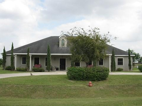 1806 S Moonlake Drive, Progreso Lakes, TX 78579 (MLS #214640) :: Jinks Realty