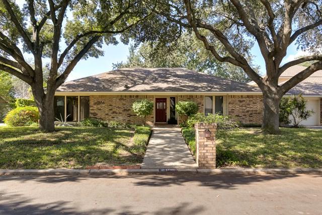 3108 Scenic Way, Mcallen, TX 78503 (MLS #214700) :: Jinks Realty