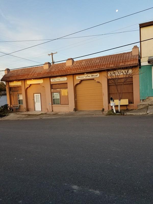 204 N Washington Street, Rio Grande City, TX 78582 (MLS #215423) :: The Lucas Sanchez Real Estate Team