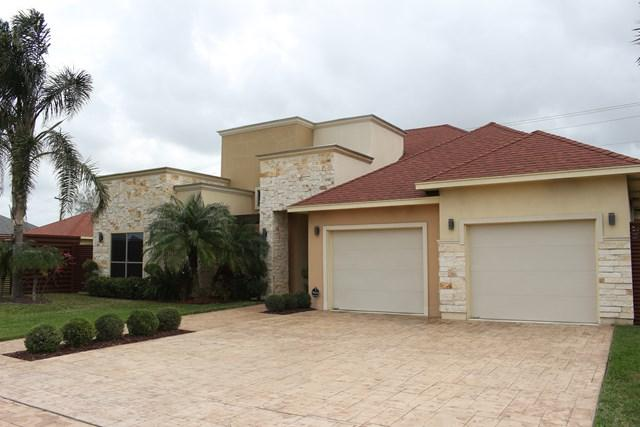 4004 Lake View Drive, Brownsville, TX 78520 (MLS #215459) :: The Deldi Ortegon Group and Keller Williams Realty RGV