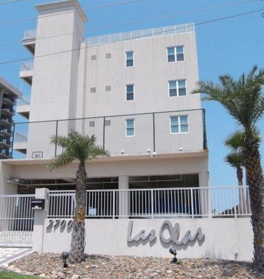 2700 Gulf Blvd #104, South Padre Island, TX 78597 (MLS #215500) :: The Deldi Ortegon Group and Keller Williams Realty RGV