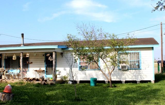 2209 N Cesar Chavez Road, San Juan, TX 78589 (MLS #215541) :: The Deldi Ortegon Group and Keller Williams Realty RGV