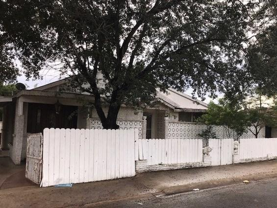 2409 Kennedy Avenue, Mcallen, TX 78501 (MLS #215573) :: Jinks Realty