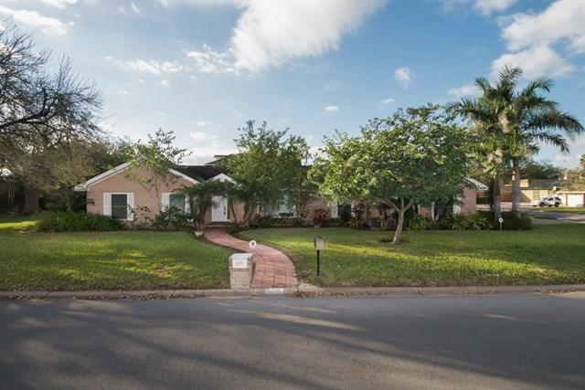 100 E Whitewing Avenue, Mcallen, TX 78501 (MLS #215746) :: Jinks Realty