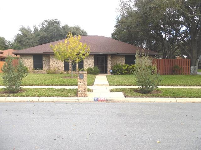 1307 E Pecan Avenue, Pharr, TX 78577 (MLS #215993) :: Jinks Realty