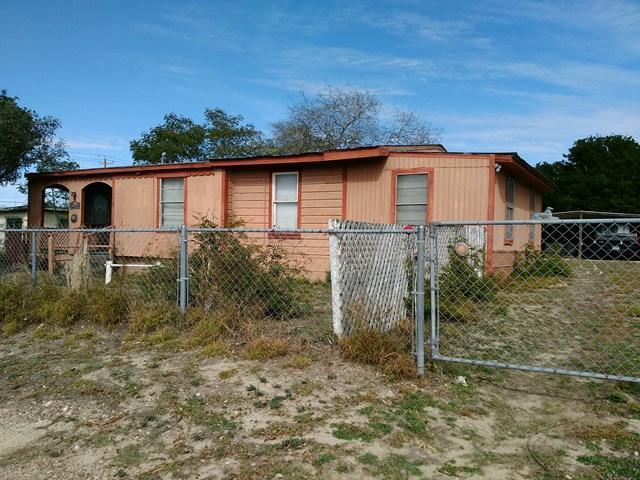 908 E Glenn Street, Zapata, TX 78076 (MLS #216792) :: Jinks Realty