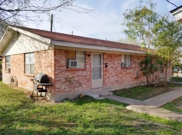 318 E Mahl Street, Edinburg, TX 78539 (MLS #217315) :: The Deldi Ortegon Group and Keller Williams Realty RGV