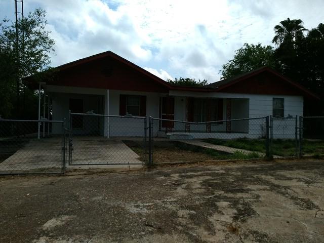 204 S Serna Street, Zapata, TX 78584 (MLS #217445) :: Jinks Realty