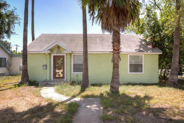 800 N 16th Street, Mcallen, TX 78501 (MLS #218464) :: The Deldi Ortegon Group and Keller Williams Realty RGV